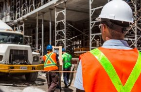 Factors to Consider When Hiring Construction Workers